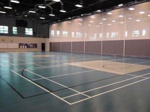 UNISの体育館「冷房が効いていてとても快適でした。熱射病で倒れる子供は多分出ないと思います」