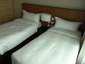 3ベッドルーム全ての部屋にお手洗いとシャワー室がついているので、お客様のご宿泊にも対応できます