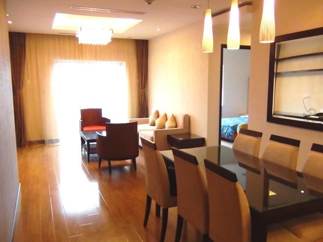 東向きのリビングバルコニー、南側の主寝室、西日が当たらない理想的なお部屋です