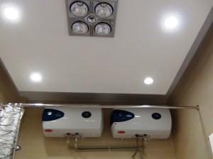 浴室の標準装備として冬に暖かい電熱ヒーターも付いています