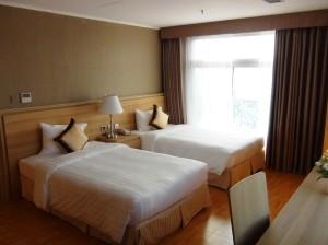 ツインベッドが多用されていますが、希望によりくっつけて、ゆったりとお休みになって頂くことも可能です