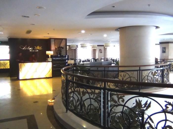 日本食ももちろん出してくれるホテル内レストラン「ロータス」。食事サービスにはかなり力を入れているCANDEO HOTELS HANOIです。