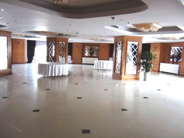 会議、宴会、結婚披露宴、何でもこなせる多目的Banquet