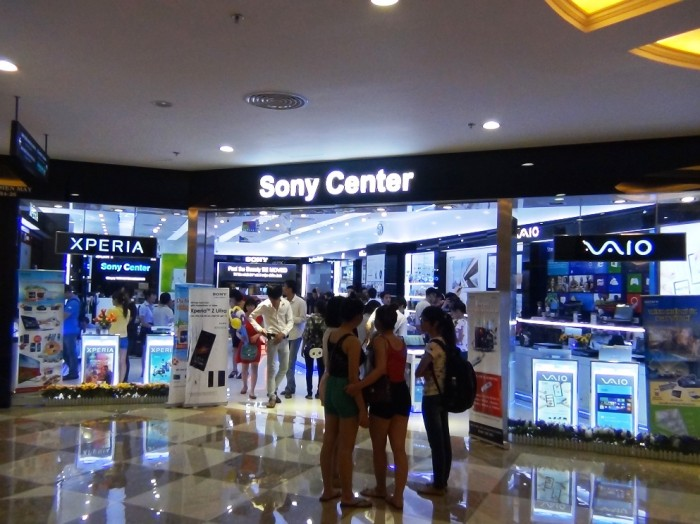 Sonyの売り場「横にサムスンの売り場があり火花が散っていました」
