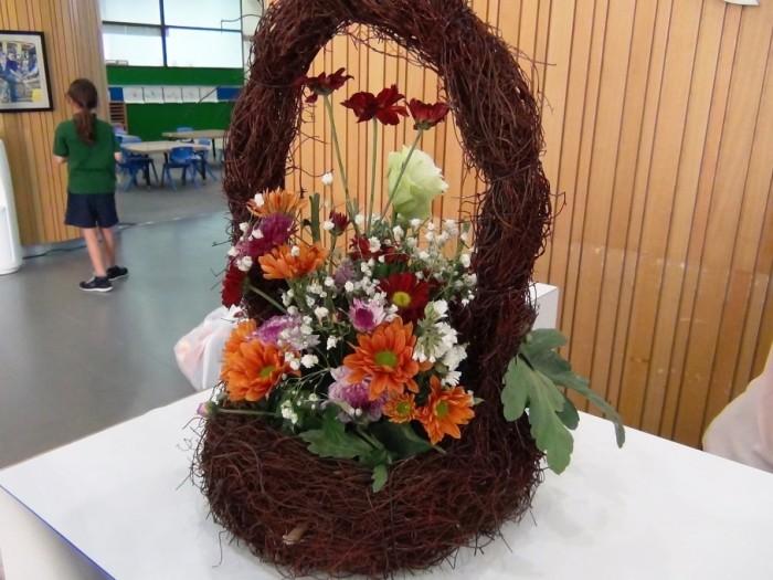 生徒さん手作りの花かご