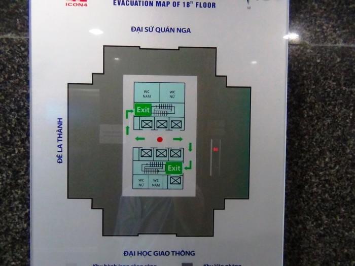 フロア平面図「エレベーターは6基あります」