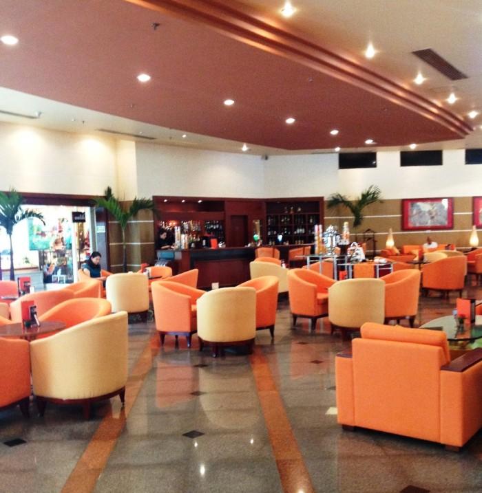 1階のカフェの様子