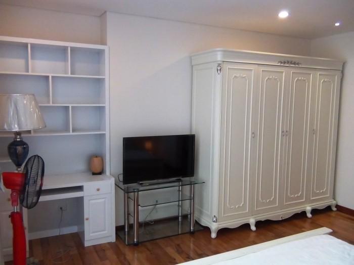 ペントハウスのメインベッドルームの家具