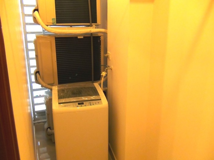 室内に1台専用の洗濯機があります(1ベッドルームには付きません)
