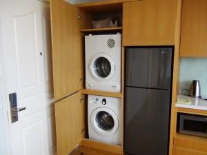 各部屋に1式の乾燥機と洗濯機