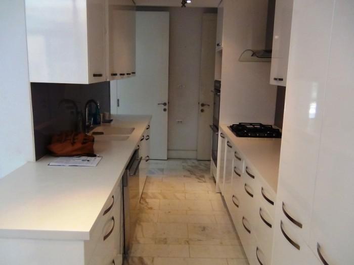 食洗機からビルトインオーブン2台と、使い勝手の良いキッチンです