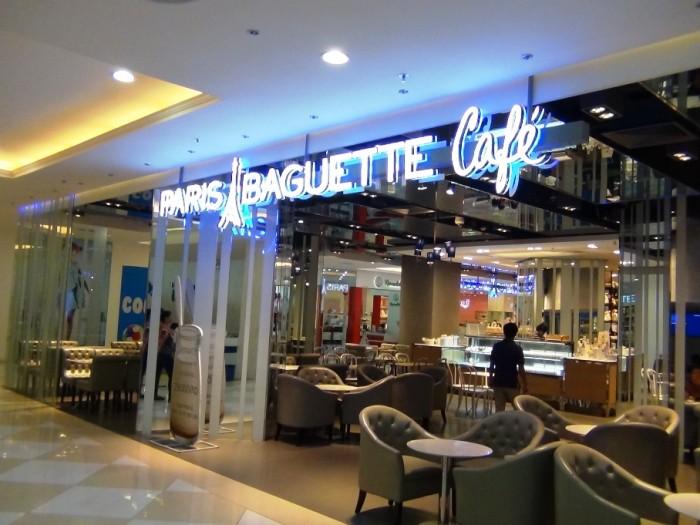 PARIS BAGUETTE Cafe「焼きたてドーナツやプリンが美味しい」