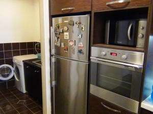 キッチン周りには一通りの家電製品が整っています