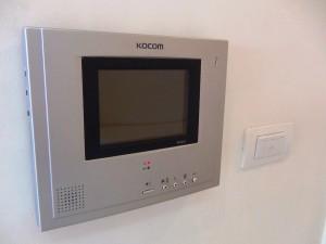 室内にある1階玄関脇にあるモニターとの連絡画面