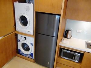室内にある洗濯機と乾燥機