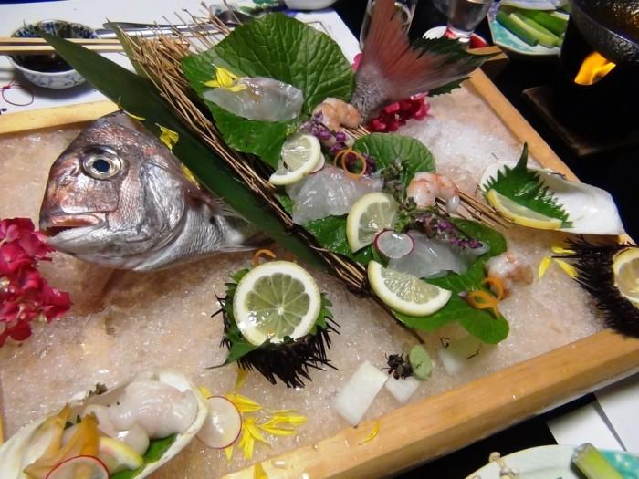 尾頭付きの鯛のお造り「新鮮で美味い・・・幸せでした」