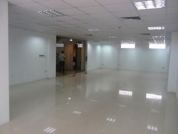 店舗・オフィススペース(130㎡、1.430ドル)2