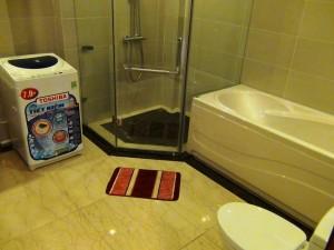 1ベッドルーム(50㎡、930ドル)のバスルーム