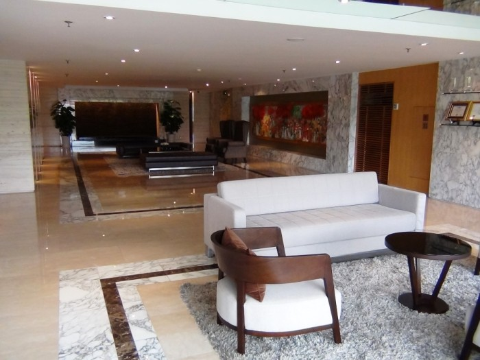 Fraser Suitesの受付横エントランスの風景