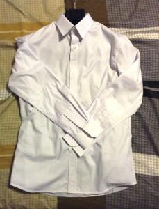 ワイシャツ白