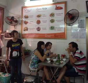ベトナムハノイの人々の暮らしに根付いている料理なんだと思います