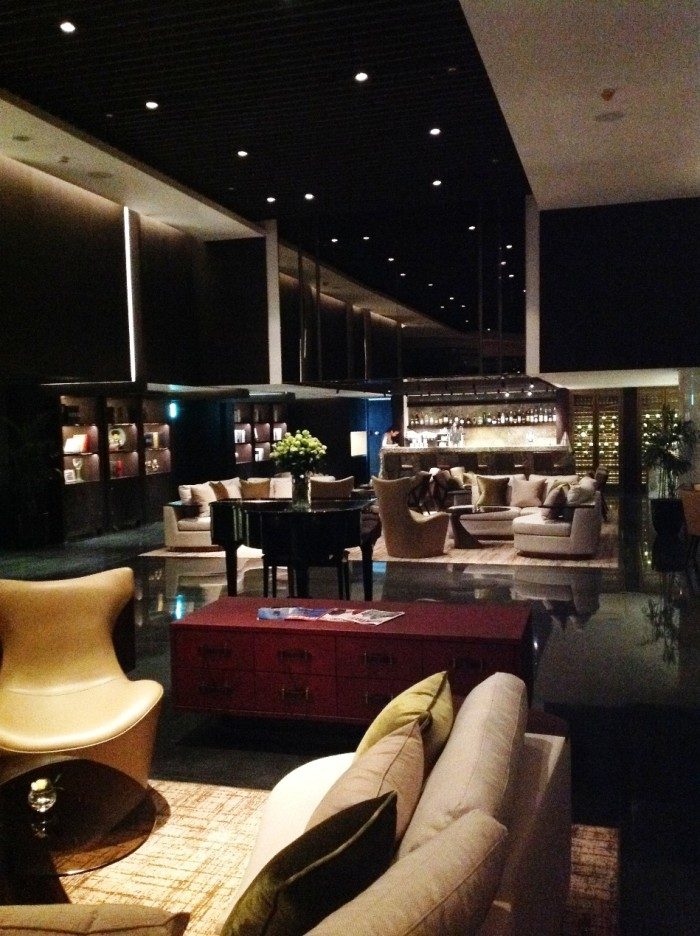 「The Lounge Sky」の店内