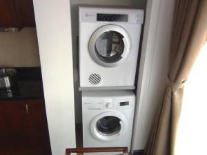 洗濯機と乾燥機はセパレート「洗濯時間の短縮と手間が大分違ってきますね」