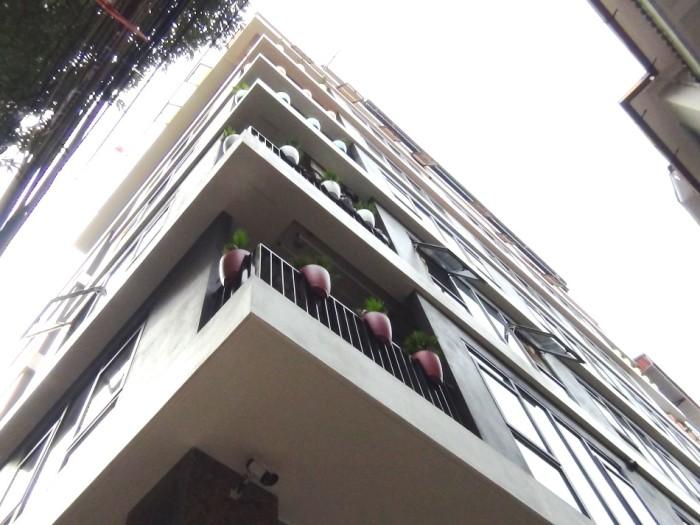 「Poonsa Apartment No2」の全容