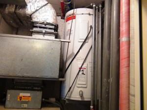 室内のお湯タンクの容量は150Lもあります「バスタブにしっかりと使うことが可能ですね」
