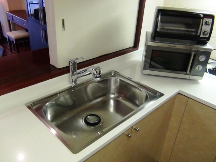 土鍋も振り回し洗いできるシンクの広さです