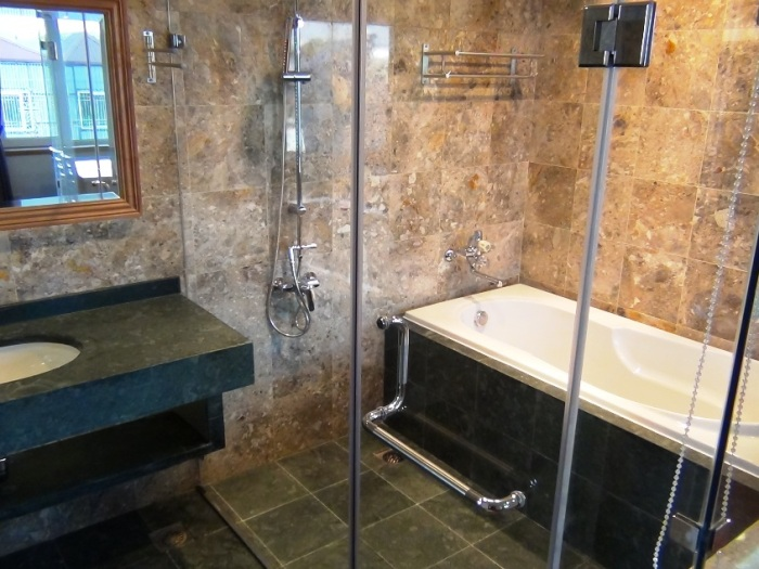 洗い場もたっぷりついた広々としたバスルームが売りの一つです
