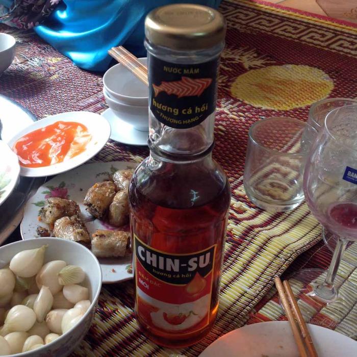 Hongちゃんのお母さんがこの日の為に買われた、とっておきのnước mắm「美味しい!これは飲める!!」
