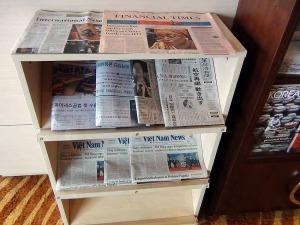日経新聞も常備されています