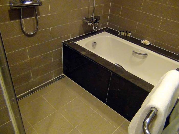Aタイプの洗い場付きバスタブ
