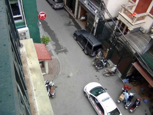 Kim Ma通りから数分中に入った静かな環境です