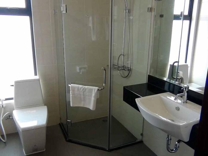サブのグラスシャワースペース「角部屋特有の窓が付きます」