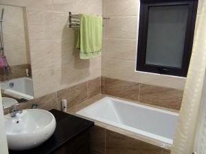 バスルームがゆったりはオーナーのこだわりのようです(703号)
