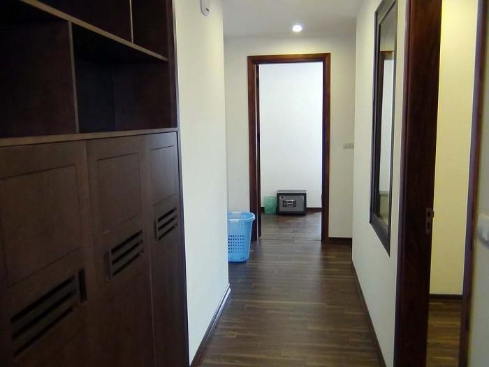 2ベッドルームの広い廊下(603号)