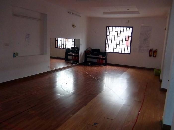 4階の多目的ホール「いろんな屋内運動が可能です」