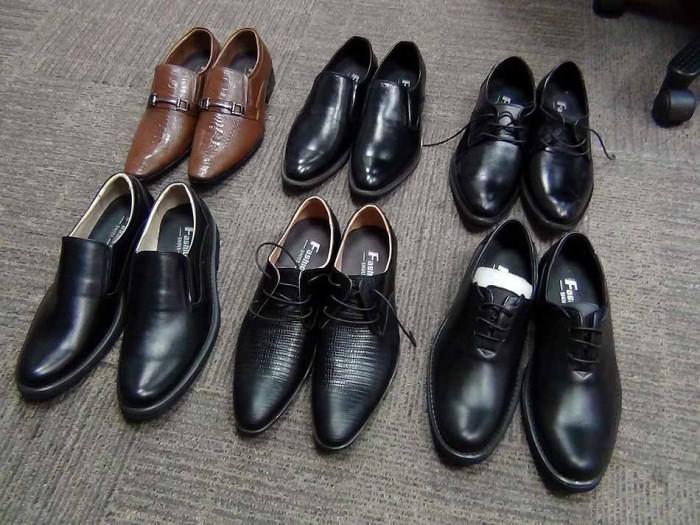「好きな靴を選べ」と並べてくれた靴