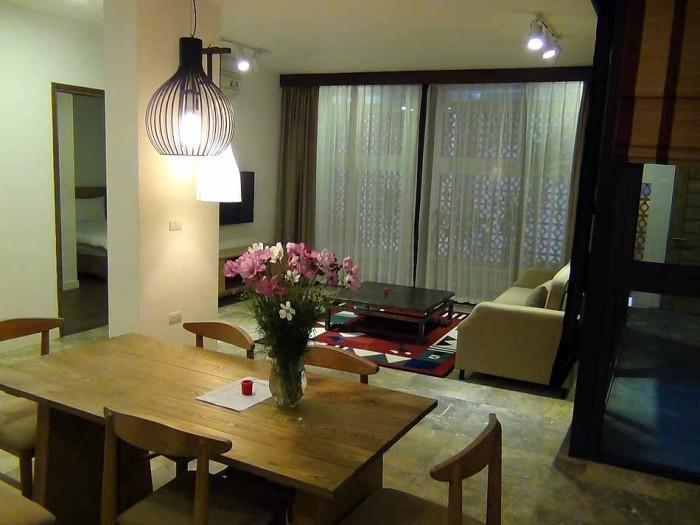 1階ですが静かで落ち着いた家具の様子
