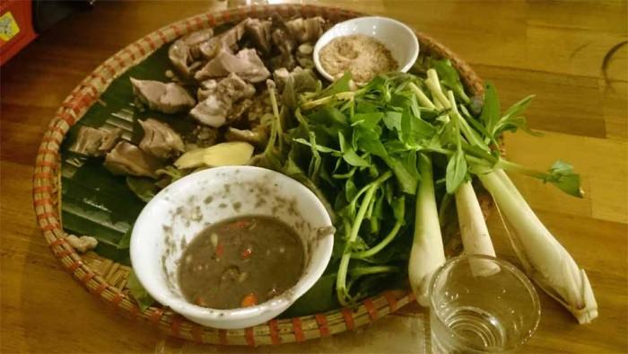 「郷に入れば郷に従え」ベトナムでは大人気の「犬肉」