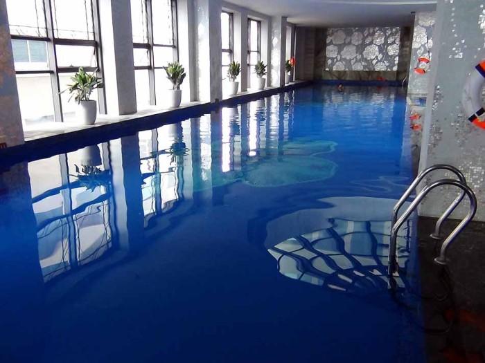がっつり泳げる25M長のプール