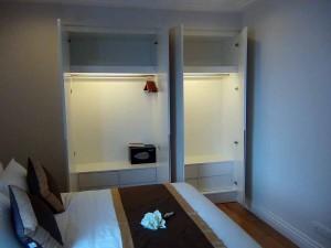 ベッドルームのクローゼット