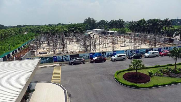 高等部の新校舎が、昔のプレイグラウンドに建設中です