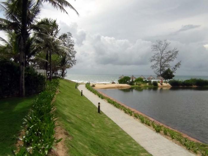 宿泊Villaから歩いて直ぐ先に、大海が広がっています