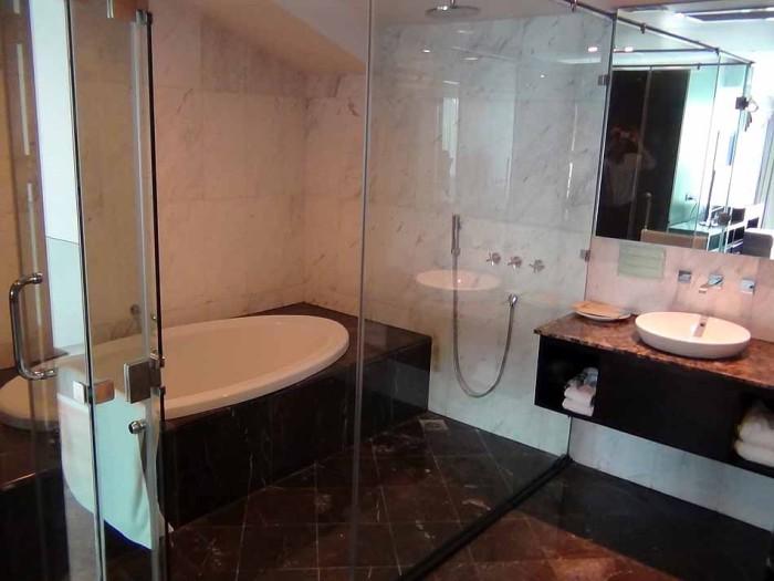 洗い場も確保されているバスルーム