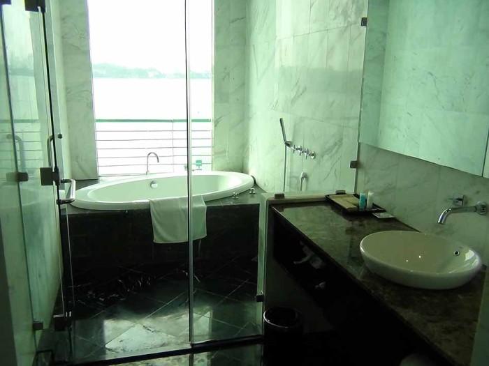 バスルームとお手洗いはセパレートです
