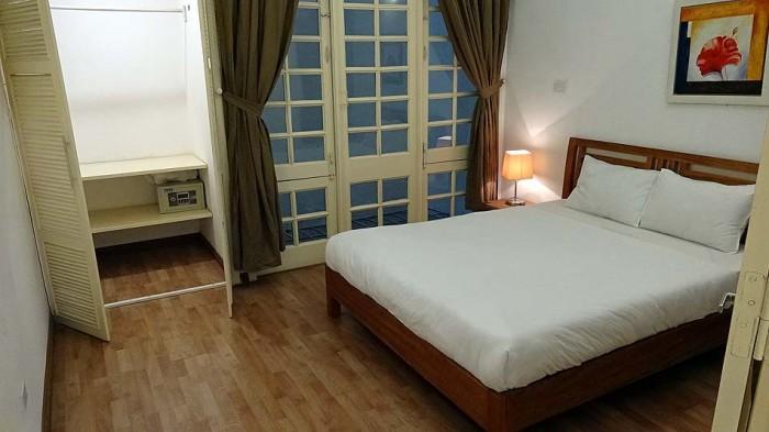 広いベッドルーム