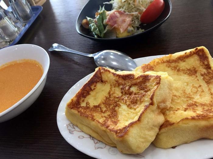 洋食の朝食「フレンチトースト」
